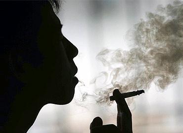 women_smoker